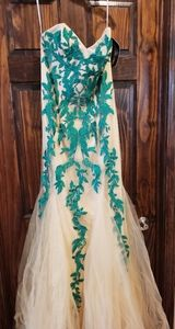 Sherri hill nude Emerald pageant prom dress gown